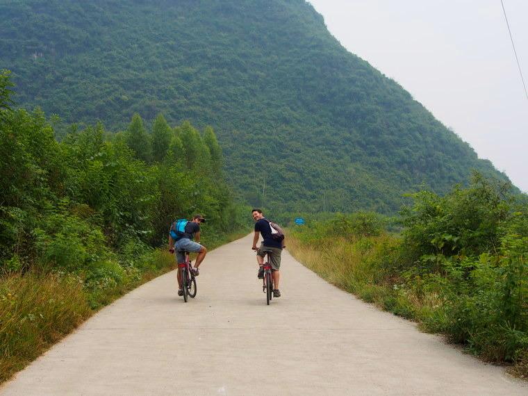 Journée vélo avec Djessy dans les villages aux alentours