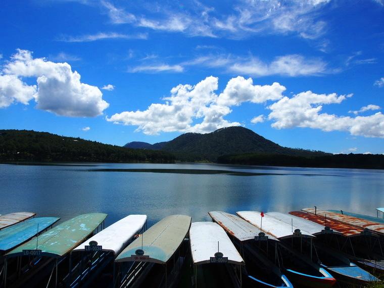 Le lac tuyen lam