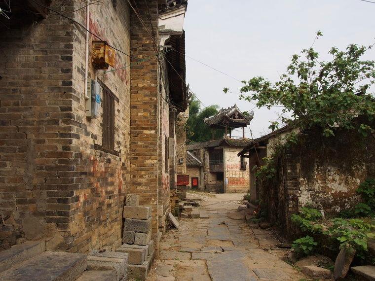 Le cœur du village de Luojong