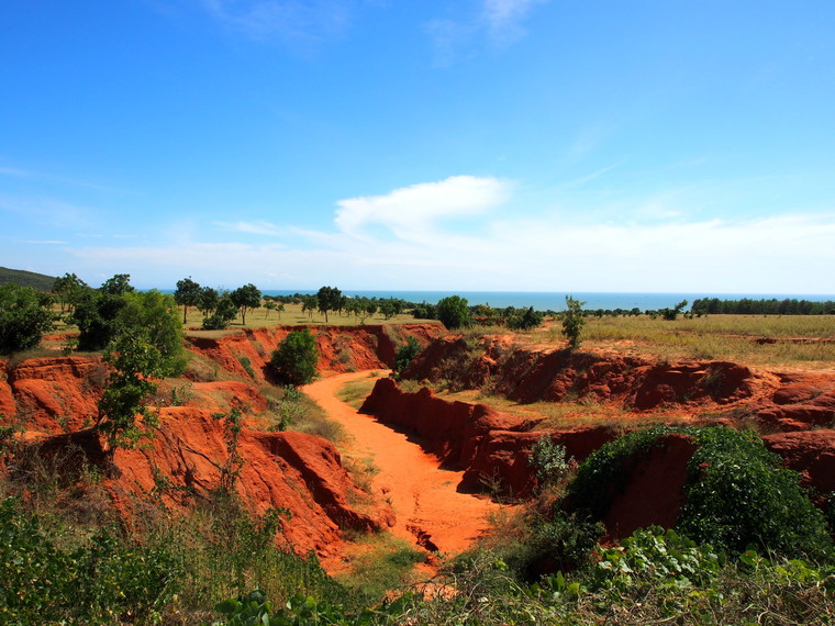 red canyon muine vietnam