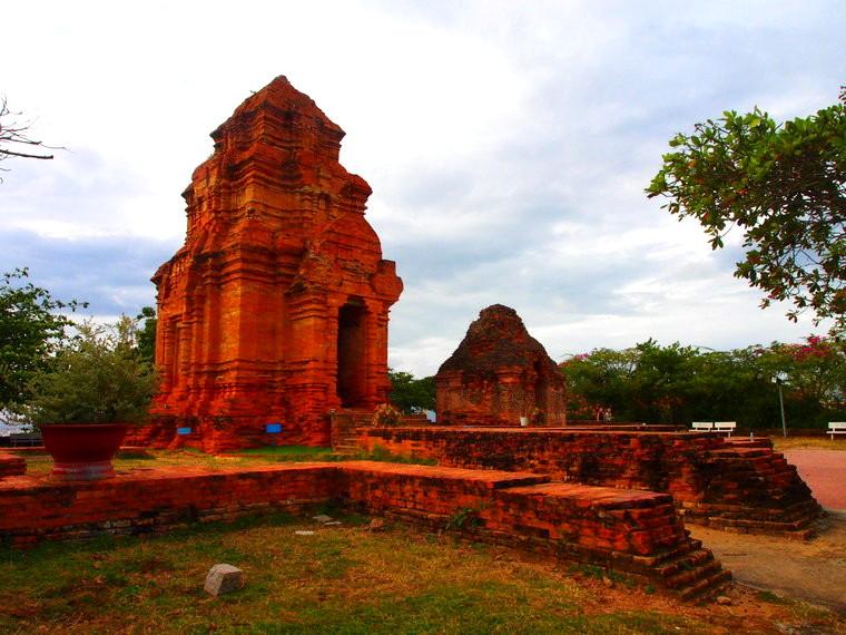 La tour Cham (c'est le cas de le dire) entre Mui Ne et Phan Tiet