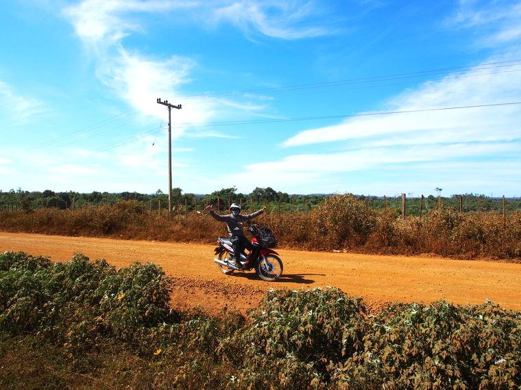 boucle moto plateau des bolovens