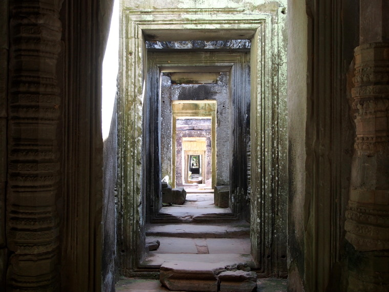 couloir temple angkor