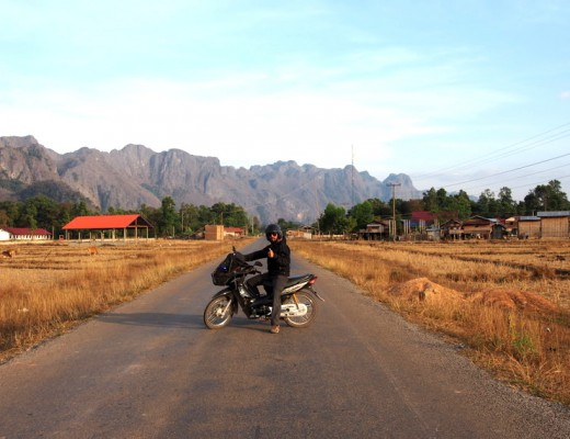 voyage moto au laos