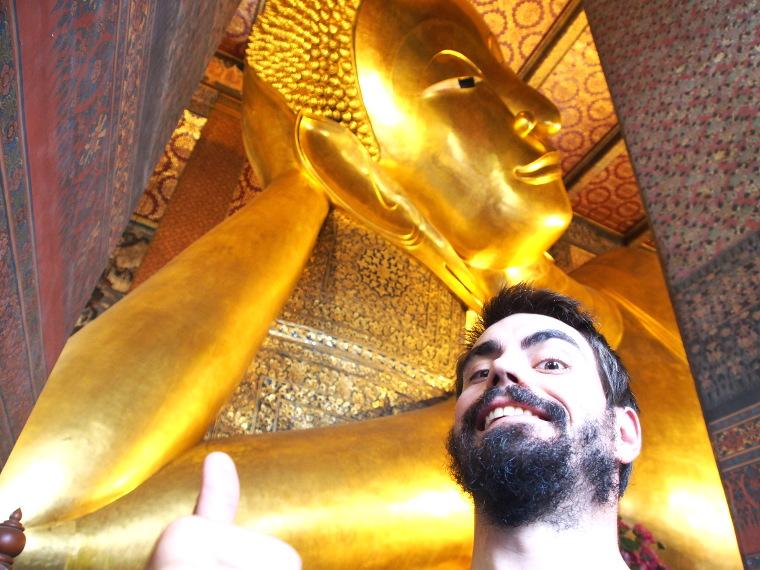 buddha couche bangkok blouptrotters