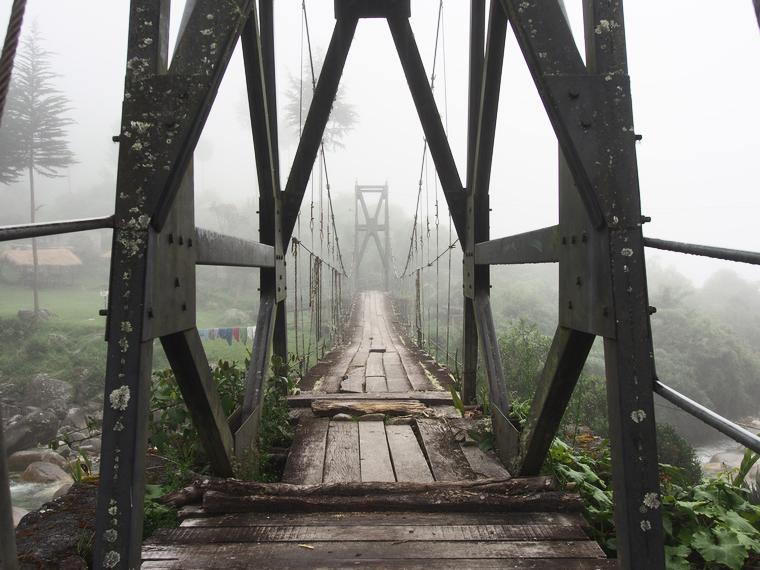 pont suspendu nuage