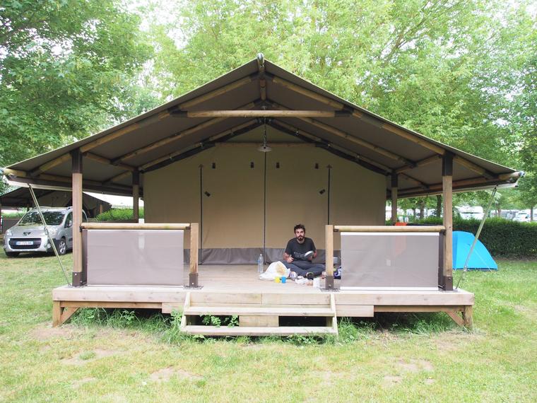 camping sur l'ile de chinon